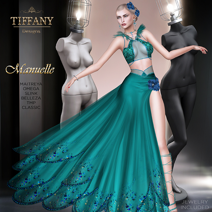 TD Manuelle Gown with Appliers Azul